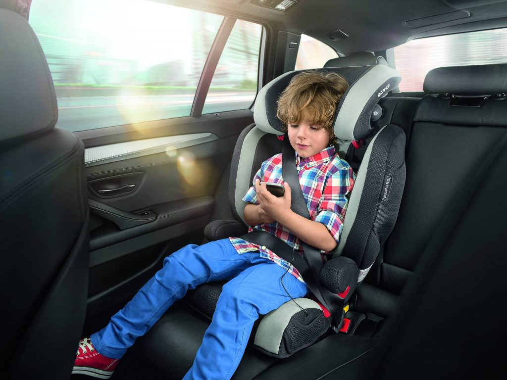 Безопасность ребенка в детском автокресле